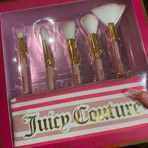5 piece Juicy Couture makeup brush set
